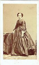 Photo cdv : Disderi ; Mademoiselle de Violaine , vers 1860