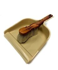 Plastic Dust Pan And Wood Violin Shape Cleaning Broom Brush Set