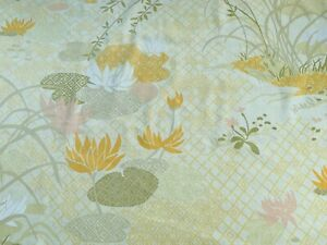 Vintage 1970s Flower Sheet Fabric,  Ideal For Dress Making  , 129 Cm  By 84 Cm