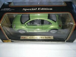 Maisto 1/18 special edition Volkswagen New beetle metallic green boxed unused
