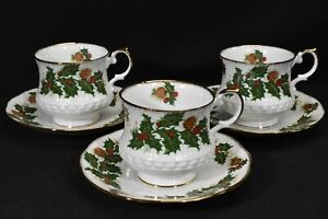 Queens Rosina Yuletide Set of 3 Cups & Saucers