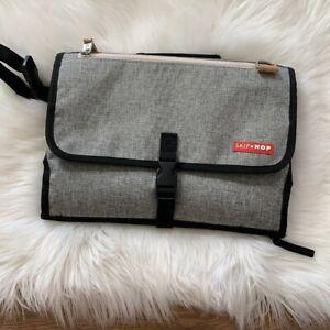 Skip Hop Pronto Gray Baby Changing Station & Clutch Zipper Pockets