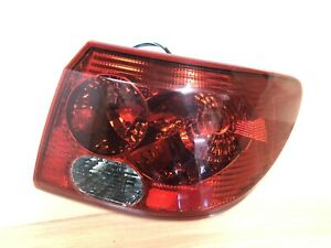 2003-2005 Saturn L-SERIES OEM RIGHT QUARTER PANEL MOUNTED TAIL LIGHT ASSEMBLY