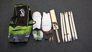 Cricket Set Slazenger Incl Gloves, 2 x Balls, Wickets & Stumps, Pads & Bag #500