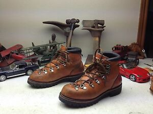 COGNAC DISTRESSED RED WING IRISH SETTER LACE UP MOUNTAIN HIKING BOOTS 7.5 C