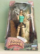 """Playmates 1999 Tomb Raider 8"""" Action Figure Lara Croft in Jungle Outfit - NEW"""