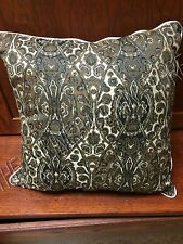 """Frontgate Outdoor Yard Patio Pool Throw Pillow Black White Trim Hourglass 20"""""""