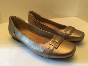 Womens Clarks Collection Gold Slip On Shoes Size 9