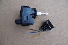 Stellmotor VW Passat B5 LWR Scheinwerfer Hella 007282-01, 3A0941295, B4