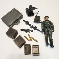 """World Peacekeepers Lot 3 3/4"""" Military Action Figure And Accessories"""