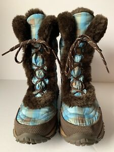 The North Face Women Girls Size 6 Winter Snow Boots Plaid Goose Down Puffer