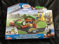 NUOVO CON SCATOLA Thomas & TrackMaster Motorized Friends Railway Sort e Interruttore Set di consegna