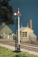 HO/OO gauge GWR Round Post (2 Single Post Signals) - Ratio 467 - free post