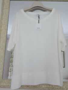 VINCE short sleeved loose top in fine Peruvian cotton. Size M