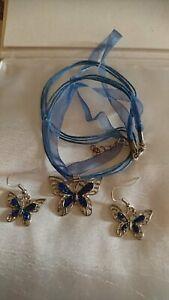 Set Halskette und Ohrringe mit Schmetterling Anhänger Blau