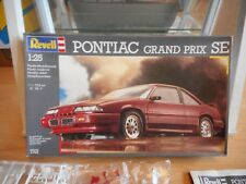 Modelkit Revell Pontiac Grand Prix SE on 1:24 in Box