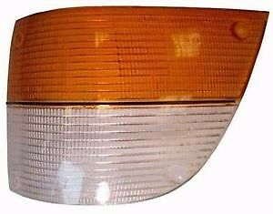 Saab 900 Front Left Driver Side Turn Signal Lens 1981-1987 8583528