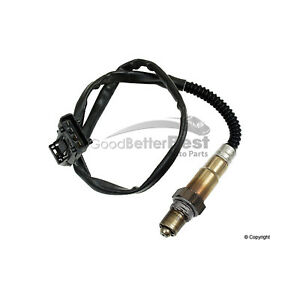 One New Bosch Oxygen Sensor Front 16174 4570909 for Saab 9-3 9-5