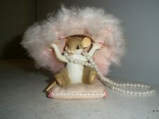 """2006 Charming Tails """"Hats Off to a Cure"""" Breast Cancer Awareness Figurine"""