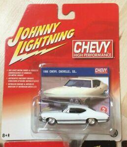 Johnny Lightning 1968 Chevrolet Chevy Chevelle SS in Weiß 3inch 1/64 OVP -selten