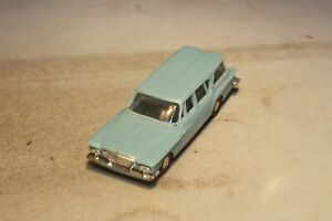 1961 Plymouth Valiant Station Wagon Revell Made in USA Free Shipping