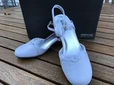 Kenneth Cole White Dress Shoes with Rhinestone Buckle Closures NIB Girls Size 4