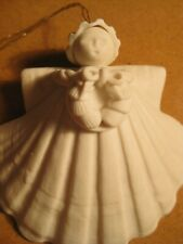 Margaret Furlong Sea Shell White Angel with wreath Christmas Holiday Ornament 19
