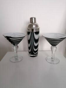Cocktail shaker set in chrome and glass with 2 glasses  Black/White retro style