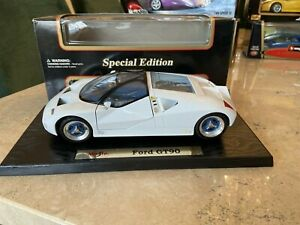 WOW Maisto 1:18 Ford GT90 Special Editions (broken engine cover)