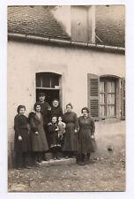 PHOTO ANCIENNE Jeu Jouet Toy Doll Poupée Petite Fille Groupe Maison Façade 1910