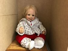 Monika levenig vinilo muñeca 54 cm. top estado