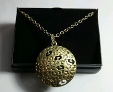 AVON ANIMAL MAGNETISM PENDANT GIFT GOLD TONE LEOPARD NECKLACE IN BOX