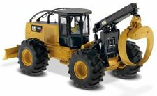 1:50 DIECAST MASTERS *CATERPILLAR* CAT 555D Log Skidder *85932* NIB!
