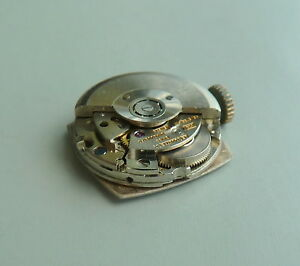 LeCoultre  CAL.832 AUTOMATIC 17J WATCH MOVEMENT WITH DIAL FOR PARTS