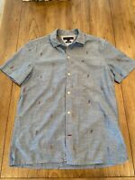 Tommy Hilfiger Men's Custom Fit S/S Button Down Parrot Graphic Shirt Size Small