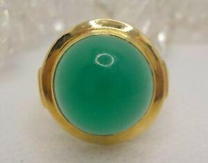 18k Chrysoprase Cabachon Ring Size 6.5