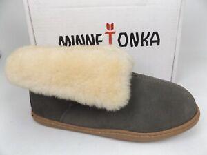 Minnetonka Women's Sheepskin Ankle Boot Slipper, 3355, Size 8.0 M, Display 21558
