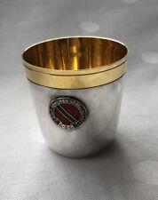 TOP: 5,6 cm hoher Vodka Silber-Becher, 925er Silber, innen vergoldet, GSG Emblem