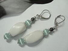 Edle 17 mm weiße Jade Ohrringe gedrehter Stein Matt mit Türkis blauen Katzenauge