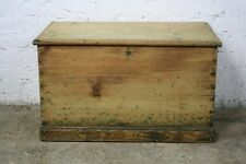VINTAGE ANTIQUE PINE OLD WOODEN CHEST TRUNK BLANKET TOY BOX