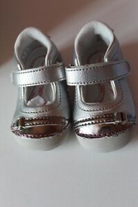 NWT 3M Stride Rite Buttercup Silver baby girls shoes