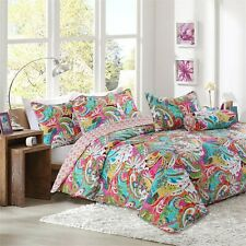 Flourish 3-Piece Reversible Bedding Quilt Set, Bedspread