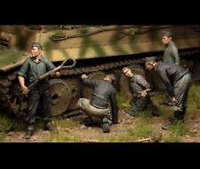 "1/35 ""Tank Recovery Crew"" Resin Model Figures Unassambled Unpainted (no tank)"