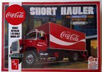 AMT1048 Coca Cola 1970 Ford Louisville Short Hauler 1/25 Scale Plastic Model Kit