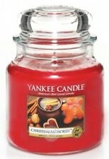 Yankee Candle - Mittlere Duftkerze im Glas - 411g - Christmas Memories