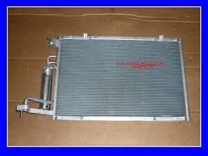 Condensatore climatizzatore NUOVO NRF 00350396 per FORD Fiesta Mk6 08-12