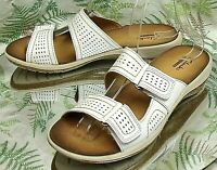 CLARKS WHITE BROWN LEATHER OPEN TOE SANDALS SLIDES SLIP ON SHOES WOMENS SZ 7.5 M
