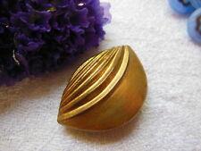 bouton ancien en métal demi sphere 2 cm sur 2,5  cm G6D