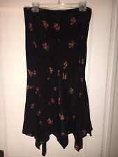 Katayone Adeli 2 Black Silk Floral skirt size 8.       A685