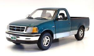 Ertl 1/18 Scale Diecast 22621B - Ford F150 Pick Up Truck - Green